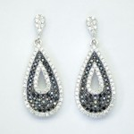 Black & White Pearl Shape Earring